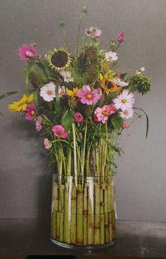 Workshops in Roosendaal Deco Floral, Floral Foam, Floral Design, Cut Flowers, Fresh Flowers, Mary Pratt, Bouquet, Flowering Trees, Crystal Vase