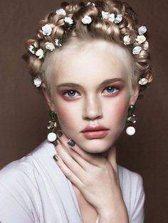 S in Fashion Avenue: Beauty: flowers on your head