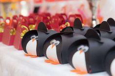 penguin favor boxes | CatchMyParty.com