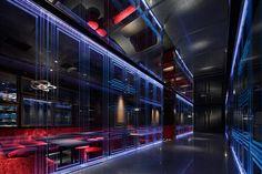 Noth Platinum Disco by ZYCC, Osaka hotels and restaurants Lounge Design, Bar Lounge, Sitges, Visual Merchandising, Restaurant Design, Restaurant Bar, Art Madrid, Madrid Barcelona, Barcelona Spain