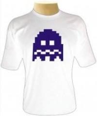 Camisetas da Hora para quem é fã de Pac Man : Originalmente criado para Arcade em 1980, Pac Man é um símbolos da década de 80 que permanecem vivos até hoje. Desde a época de seu lançamento, a popularidade do jogo era tanta que possuía versões para todos os consoles. A mecânica do jogo era simples: o jogador era uma cabeça redonda com uma boca que se abre e fecha, posicionado em um labirinto simples repleto de past