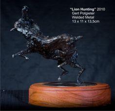 Metal Sculpture: Lion Hunting