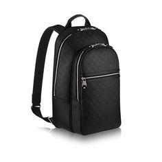 Descubra el Louis Vuitton Mochila Michael  Para uso profesional o de placer, la mochila Michael es la más versátil de las mochilas. Los múltiples bolsillos y compartimentos realzan su atractivo, como así lo hace también su flexible piel Damier Infini.