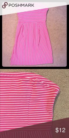 Strapless pink and white striped Old Navy dress Strapless Old Navy dress. Pink and white. Zipper in back. Worn only once. Old Navy Dresses Strapless