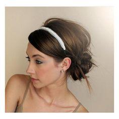 Love the side messy bun with headband!