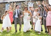 Hochzeit zuhause feiern: Tipps für Organisation und Deko