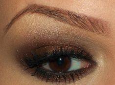 Natural tones and browns eyeshadow