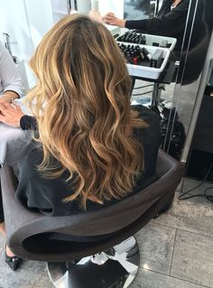 Blonde #ericzemmour #monaco #best #crew #lorealpro #iamlorealpro #hair #hairstylist #hairdresser #haircut #haircolor #hairstyle #style #fashion #glamour #mode #blonde #brown #waves #boho #hairup #vintage #undercut #bronde #balayage #ombre #shatush #flatwaves #bob #wob #carre