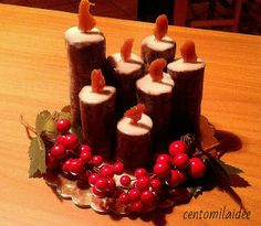 Centomilaidee: How to make sweet candles- Centomilaidee: Come fare delle candele dolci Centomilaidee: How to make sweet candles - Christmas Dishes, Christmas Cooking, Christmas Desserts, Simple Fondant Cake, Fondant Cakes, Holiday Appetizers, Appetizer Recipes, Food Decoration, Chocolate Lovers