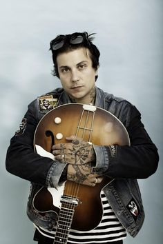 """Frank Iero opens up on 'Parachutes'—""""I felt totally emptied but so inspired by the end of it"""" - Features - Alternative Press"""