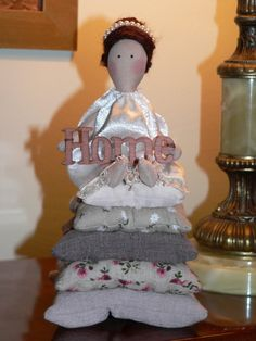 Tilda doll - Angel doll - Handmade - Vintage - Gift - Home decoration - Home decor - Interior by TundeFairys on Etsy Handmade Items, Handmade Gifts, Vintage Gifts, Interior Decorating, Angel, Dolls, Trending Outfits, Decoration, Unique Jewelry