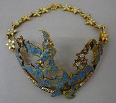 Owned by Natalie Clifford-Barney. Created by Rene Lalique Bijoux Art Nouveau, Art Nouveau Jewelry, Jewelry Art, Vintage Jewelry, Fine Jewelry, Jewelry Design, Jewellery, Belle Epoque, Natalie Clifford Barney