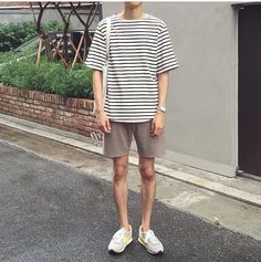 Korean style korean fashion men, boy fashion, fashion tips, mens fa Korean Fashion Ulzzang, Korean Fashion Winter, Korean Fashion Casual, Korean Street Fashion, Korean Casual, Korean Men, Fashion Spring, Outfits 90s, Korean Outfits