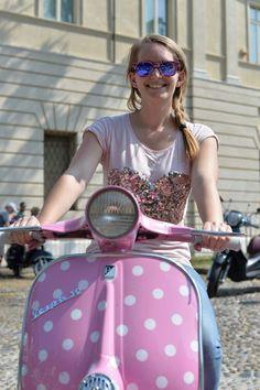 30 HD Pictures from Vespa World Days 2014 - Custom Motorcycles & Classic Motorcycles - BikeGlam Motos Vespa, Piaggio Vespa, Scooter Bike, Lambretta Scooter, Vespa Scooters, Triumph Motorcycles, Custom Motorcycles, Lady Biker, Biker Girl