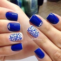 27 Stunning Examples of Cobalt Blue Nails For Elegant Ladies It is time you learn more about cobalt blue color! It's exquisite and sophisticated shade. Royal blue shades are not only extremely elegant Cobalt Blue Nails, Blue Gel Nails, Blue And White Nails, Bright Blue Nails, Glitter Nails, Casual Nails, Trendy Nails, Cute Nails, Fancy Nails