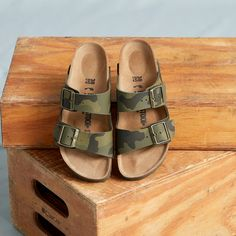 Discover new sandals and shoes for the season. Birkenstock Florida, Sandals, Shoes, Fashion, Moda, Shoes Sandals, Zapatos, Shoes Outlet, Fashion Styles