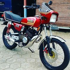 Motorcycles In India, Cars And Motorcycles, Yamaha Rx 135, Sportbikes, Kustom, Dan, Castle, Garage, Texas