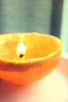Orange peel candle. Love the idea to recycle something that's normally thrown out.