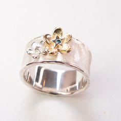 Blauw diamanten hart / emenel goudsmeden