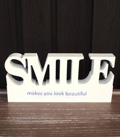 Smile kyltti pöydälle 9,90€ You Look Beautiful, Company Logo, Make It Yourself, Logos, How To Make, Logo