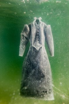 """Sigalit Landau, """"Salt Crystal Bride Gown III,"""" 2014: As the Dead Sea Dries Out, an Artist Immortalizes It"""
