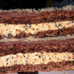 Ingrediente<br > Blat:<br > 140 g nuca macinata<br > 140 g zahar pudra<br > 6 oua<br > 1 12 lingura faina<br > 1 praf de copt<br > Crema:<br > 300 Cream Cake, Ice Cream, Romanian Food, Sweets Recipes, Something Sweet, Cakes And More, Deserts, Treats, Homemade