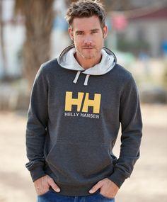 Helly Hansen Logo genser Klassisk hettegenser fra Helly Hansen med stor print og broderilogo i front. Lomme på magen og fòret hette. Gode ribber i mansjett og i nedkant på collegegenseren. 100% bomull. Helly Hansen, Graphic Sweatshirt, Logos, Sweatshirts, Sweaters, Fashion, Moda, Fashion Styles, Logo