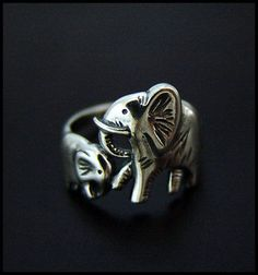 Baby and Mama Elephants Ring - High Quality