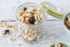 A simple Homemade Trail Mix that is a perfect mix of sweet, salty and crunchy! A healthier chose too.