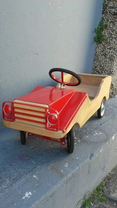Wooden Toy Cars, Wood Toys, Antique Toys, Vintage Toys, Soap Box Cars, Pallette, Easy Wood Projects, Pedal Cars, Wheelbarrow