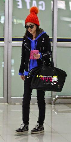 Airport Fashion Dara so cute Korea Fashion, Kpop Fashion, Girl Fashion, Airport Fashion, Fashion Outfits, Womens Fashion, Fashion Trends, Sandara Park Fashion, All Black Outfit