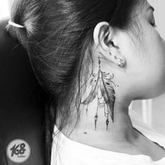 feather on neck tattoo – - diy tattoo images Finger Tattoos, Head Tattoos, Side Tattoos, Trendy Tattoos, Body Art Tattoos, Cool Tattoos, Diy Tattoo, Tattoo Blog, Tattoo Ideas