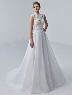 Trouwjurk Marjorie Beautiful by Enzoani - Honeymoon shop Baroque, Bride Look, Lace Detail, Cap Sleeves, Sexy, One Shoulder Wedding Dress, Wedding Dresses, Unique, Floral