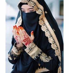 Beautiful Dpz for Whatsapp, Beautiful Dpz for Girlz, Modern Hijab Fashion, Muslim Women Fashion, Arab Fashion, Arab Girls Hijab, Muslim Girls, Muslim Brides, Beautiful Muslim Women, Beautiful Hijab, Simply Beautiful