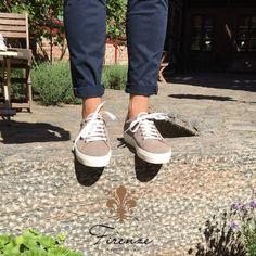 Tennis Sneaker i härlig mjuk mocka Tennis Sneakers, Sperrys, Sport, Fashion, Spain, Sneakers, Deporte, Moda, Sperry Shoes