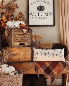 Happy Gathering everybody! Welcome Fall! - Happy Gathering everybody! Welcome Fall!it's time for DecorandFrie - Fall Home Decor, Autumn Home, Rustic Fall Decor, Country Fall Decor, Fall Inspiration, Adornos Halloween, Holiday Fun, Holiday Decor, Festive