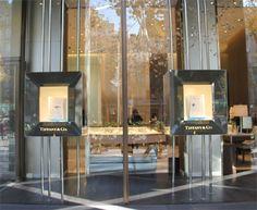 TIFFANY & CO. trae sus icónicas joyas a su boutique de Barcelona…