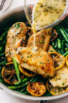 An easy skillet garlic lemon butter chicken recipe. Parmesan and flour dusted crispy chicken breast with an easy lemon butter sauce and sauteed green beans. Butter Chicken Rezept, Lemon Butter Chicken, Garlic Chicken Recipes, Garlic Butter Chicken, Healthy Chicken, Recipe Chicken, Crispy Chicken, Boneless Chicken, Easy Chicken Sauce