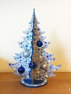 Transforming Ideas For Your Home With These Amazing Christmas DIY Decorations Christmas Wood Crafts, Noel Christmas, Christmas Projects, Christmas Ornaments, White Christmas, Natal Diy, Alternative Christmas Tree, Christmas Interiors, Xmas Tree