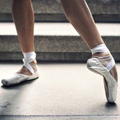 ballet white pointe shoes