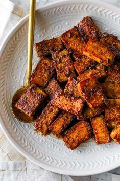 Grilled Tofu Recipes, Best Tofu Recipes, Whole Food Recipes, Vegetarian Recipes, Healthy Recipes, Simple Tofu Recipes, Vegan Meals, Recipes With Baked Tofu, Chinese Tofu Recipes