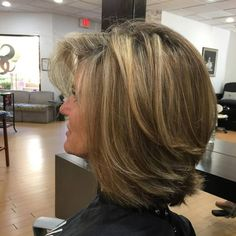 Sophisticated styles:Latest Medium Length Layered 2018 If you're yearning for medium bedded haircuts, wonderful thanks to boosting a shoulder-length haircut is with some layers. By adding layers, you facilitate add form, volume, and texture to your look. Medium Length Hair Cuts With Layers, Medium Hair Cuts, Medium Hair Styles, Curly Hair Styles, Medium Length Layered Bob, Medium Layered Haircuts, Layered Bob Hairstyles, Hairstyles Haircuts, Latest Hairstyles
