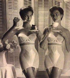 Vintage black and white advertisement from the for Warner's bras and girdles. Ad displays two women in their underwear with the tagline: Ever wish there were two of you? Lingerie Retro, Classic Lingerie, Jolie Lingerie, Bra Lingerie, Lingerie Models, Vintage Girdle, Vintage Underwear, Vintage Bra, Vintage Woman
