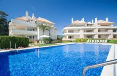 2 Bedroom Apartment in Estepona to rent from £689 pw, within 15 mins walk of a Golf course. Also with wheelchair access, jacuzzi, Sauna, balcony/terrace, air con, Telephone, TV and DVD.