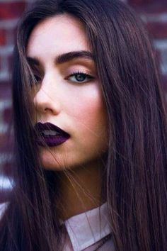 Dark make up looks are so beautiful!
