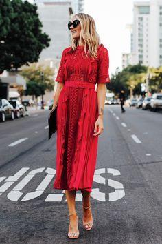 Amazing long red dress design so chic Casual Summer Dresses, Modest Dresses, Dresses For Work, Midi Dresses, Fashion Dresses, Black Tie Dress Code, Black Tie Dresses, Robes Midi, Fashion Jackson
