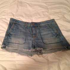 Mid-rise Denim Shorts These shorts are light wash denim. Have front and back pockets and no rips or tears. They are worn but still in good condition. Great for summer style. American Eagle Outfitters Shorts Jean Shorts