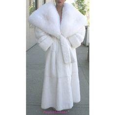 Nadire Atas on Vintage Fur Fashion Fur by Purpleshoshana Fur Fashion, White Fashion, Womens Fashion, Mode Russe, Fabulous Furs, White Fur, Snow White, Vintage Fur, Mink Fur