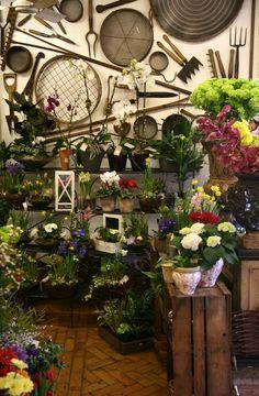 I want a garden tool wall