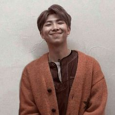 The smile of Kim Namjoon is killing meeeee~❤❤❤❤ Jung Hoseok, Kim Namjoon, Seokjin, Jimin, Bts Bangtan Boy, Bts Aesthetic, Brown Aesthetic, Taehyung, Kpop